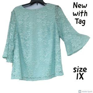 bundle&save NWT floral lace bell sleeve top 1X